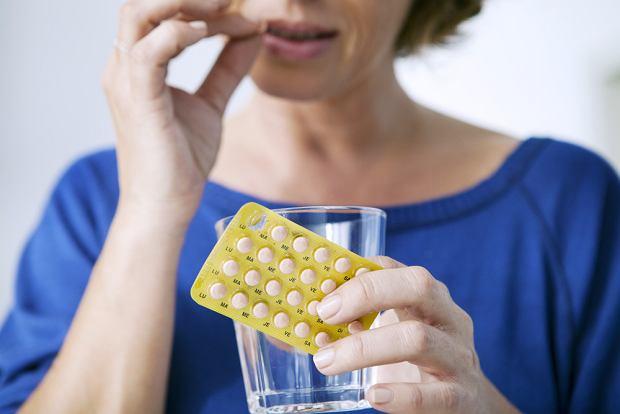 Terapia HTZ - hormonalna terapia zastępcza: wady, zalety, wskazania i przeciwwskazania