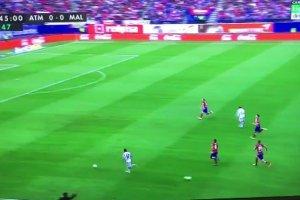 Atletico - Malaga. Diego Simeone przerwał kontrę rywala? [WIDEO]