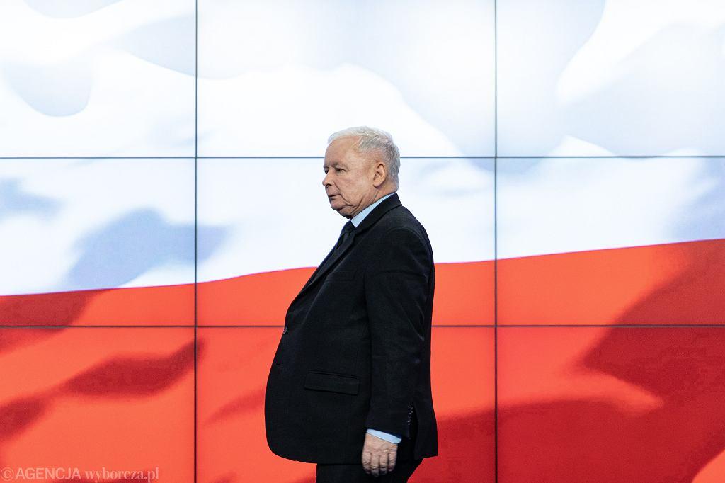 Jarosław Kaczyński podczas konferencji prasowej na Nowogrodzkiej