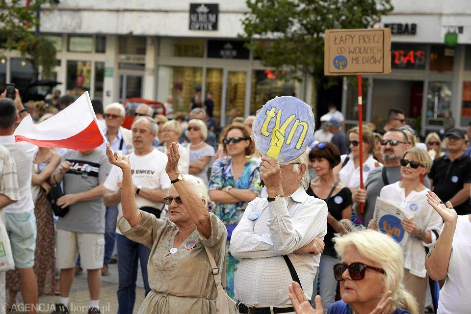 Protest przeciwko lex TVN w Łodzi 14 sierpnia 2021