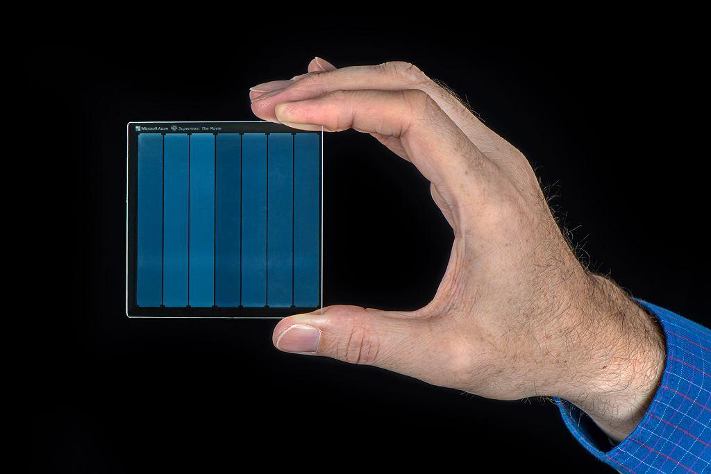 Project Silica - kawałek szkła jako nośnik danych przyszłości