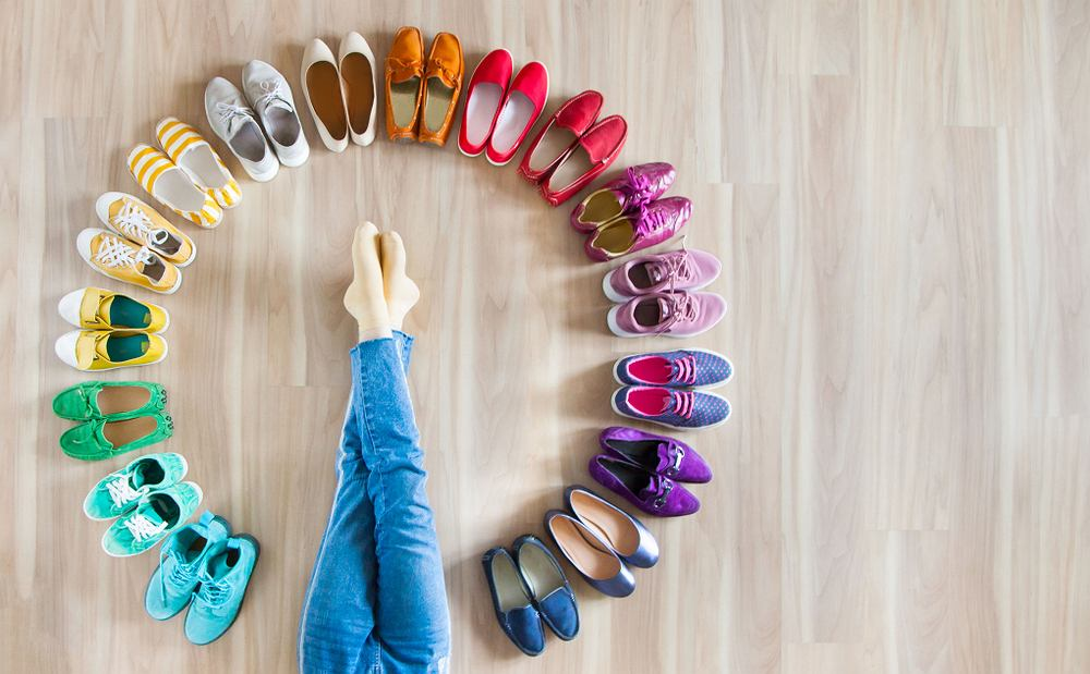 Buty na haluksy muszą być wygodne. Zdjęcie ilustracyjne