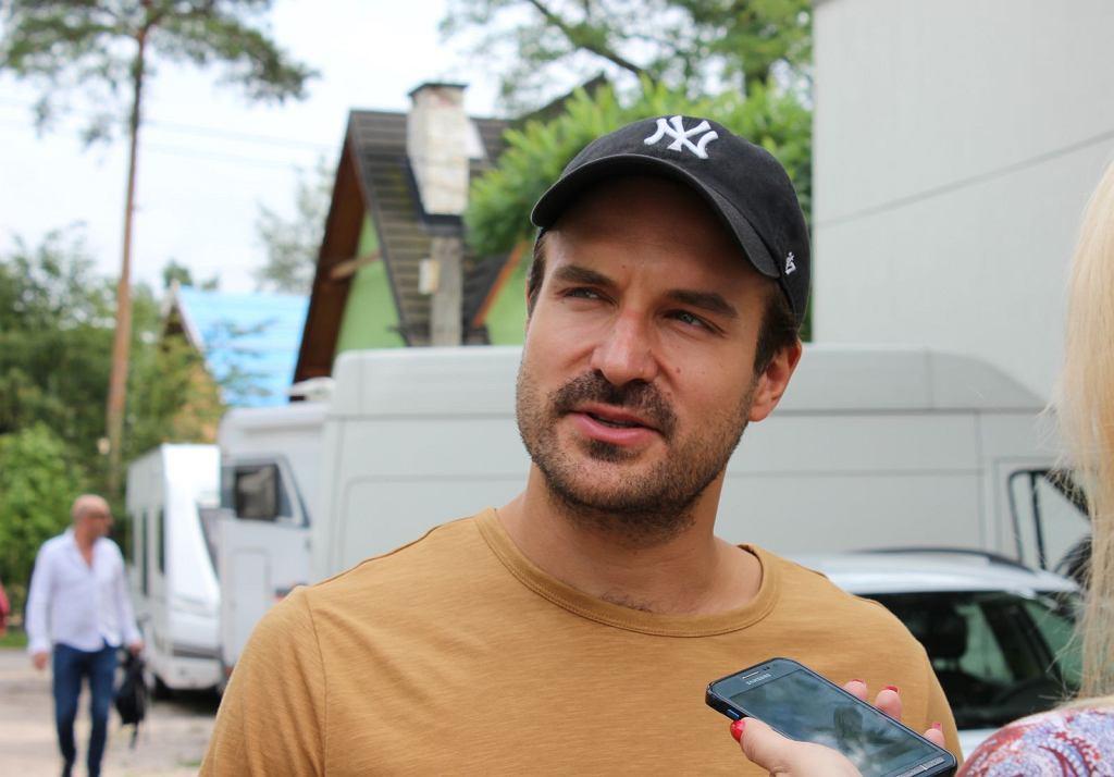 Piotr Stramowski na planie filmu 'Narzeczony na niby'