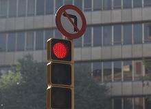 Samochód podpowie kierowcy kiedy zmieni się światło. To dopiero projekt, ale ma szanse się sprawdzić