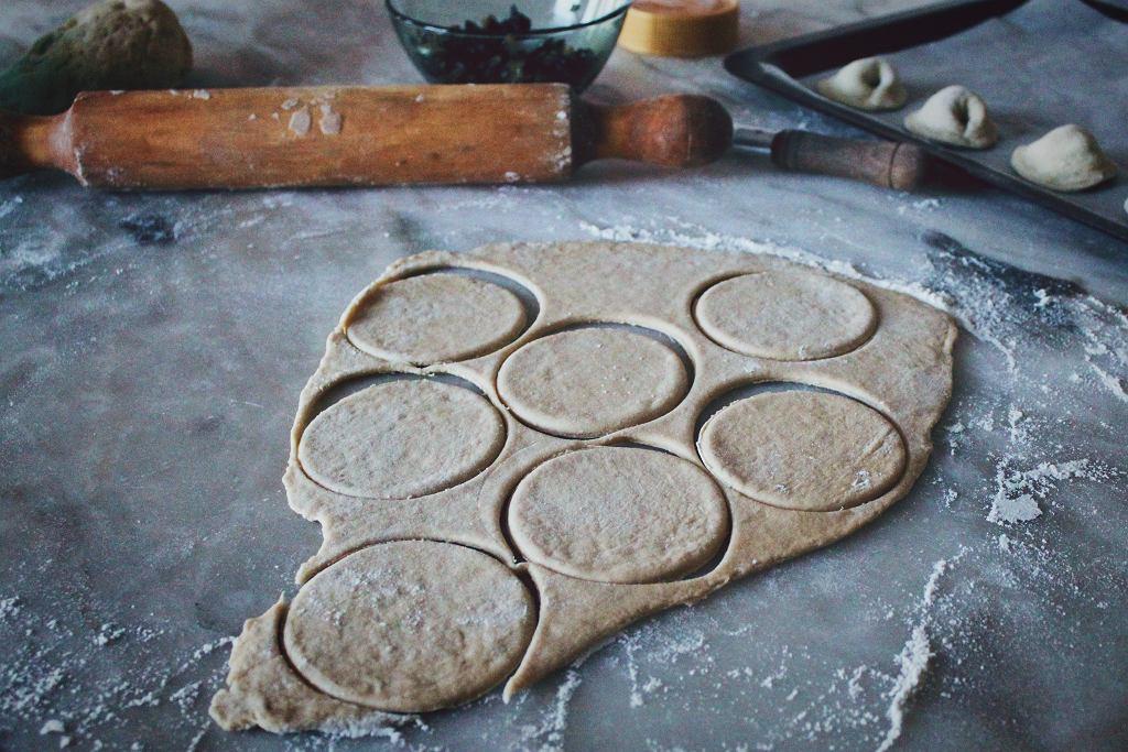 jak przygotować ciasto na pierogi