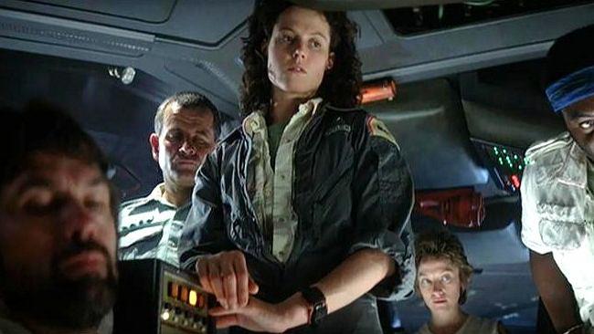 """Obcy - Ósmy pasażer Nostromo"". Nieśmiertelny obcy pasażer"