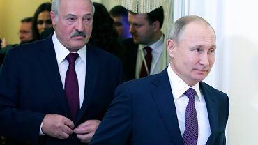 Prezydenci Białorusi i Rosji Aleksander Łukaszenka i Władimir Putin na spotkaniu w Sankt Petersburgu 20 grudnia 2019 r.