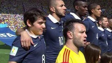<b>Mathieu Valbuena był jednym z najlepszych piłkarzy reprezentacji Francji na mundialu w Brazylii. Zostanie też zapamiętany ze swojego niskiego wzrostu (167 cm), który wielokrotnie był podczas tych mistrzostw wyśmiewany przez internautów.</b><br> Podstawowe pytanie brzmi: czy z Valbueny zakpili sami także organizatorzy MŚ?