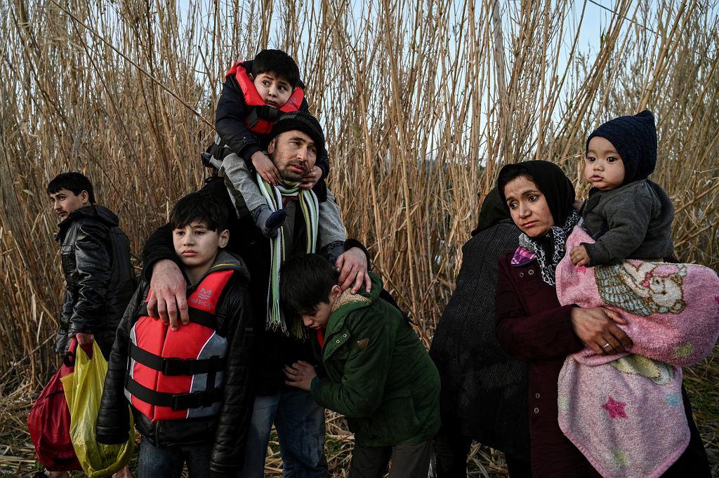 Uchodźcy zaraz po wylądowaniu na greckiej wyspie Lesbos, 2 marca 2020 r.