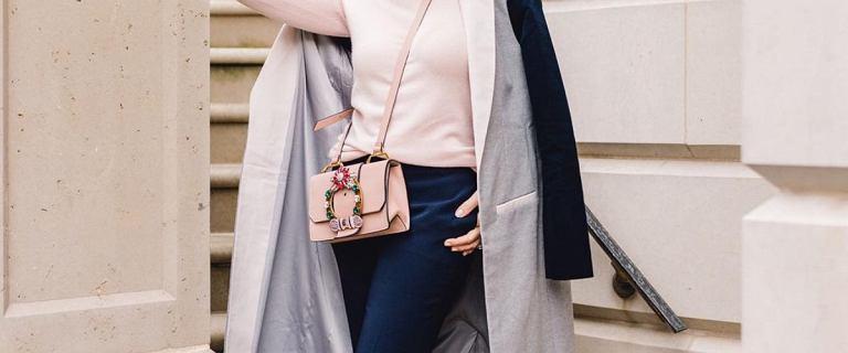 Te spodnie dla kobiet po 60-tce dodadzą elegancji i wdzięku! Maskują brzuszek i kupisz je w Reserved