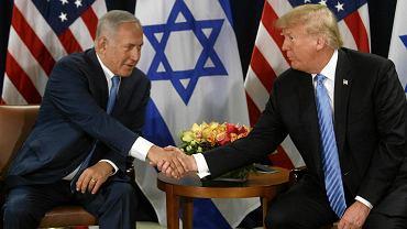 Trump prowadzi politykę zagraniczną niemal całkowicie po myśli premiera Izraela. A teraz jeszcze wyciąga do Beniamina Netanjahu rękę, bo w Izraelu trwa kampania przed wyborami parlamentarnymi 9 kwietnia