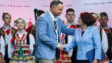 Piknik w Puławach z udziałem prezydenta Andrzeja Dudy, pierwszej damy i posłanki PiS Elżbiety Kruk