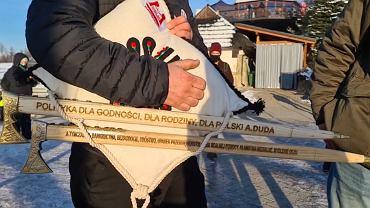 'Ciupagi hańby' dla prezydenta Andrzeja Dudy