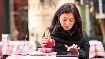 """Wakacje bez technologii, czyli :digital detox"""" to najgorętszy trend turystyczny 2013 roku. Eksperci prognozują, że utrzyma się co najmniej do 2016"""