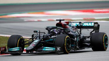 Lewis Hamilton wygrał GP Hiszpanii! 7-krotny mistrz świata wykorzystał błąd rywali