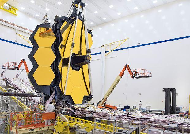 Kosmiczny Teleskop Jamesa Webba przygotowywany do wystrzelenia