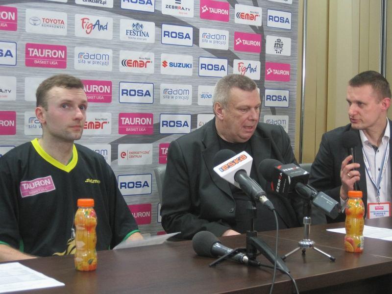 Michał Wolczyk (pierwszy z prawej strony)
