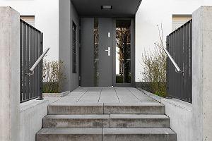 Jak dbać o drzwi wejściowe?