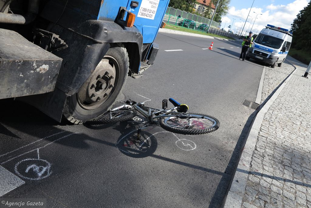 Wypadek z udziałem roweru [zdjęcie ilustracyjne]