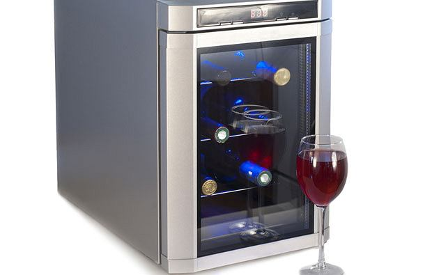 Dziesięć mitów o winie, alkohol, wino, białe wino, czerwone wino, top 10, Białe wino schłodzone, a czerwone w temperaturze pokojowej