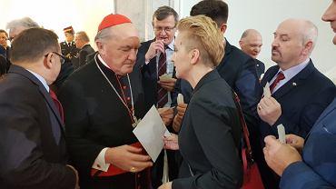 Posłanka Joanna Scheuring-Wielgus i kard. Kazimierz Nycz.