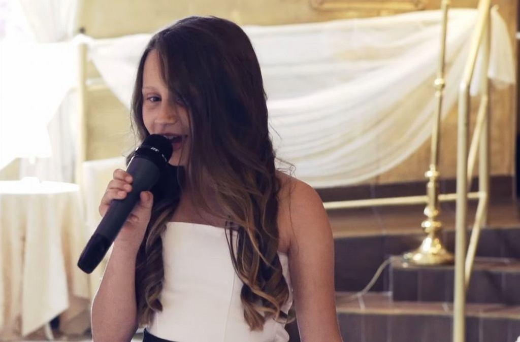 Córka śpiewała dla ojca na ślubie