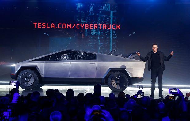 Elon Musk przedstawia Cybertruck - elektryczną ciężarówkę Tesli