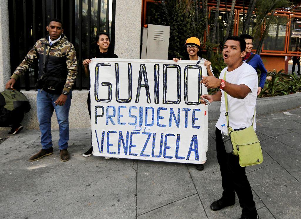 Zwolennicy Juana Guaido demonstrują na ulicach Caracas. Wenezuela, 23 stycznia 2019