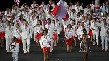 Reprezentacja Polski podczas ceremonii otwarcia igrzysk. Jeszcze uśmiechnięci i pełni nadziei.