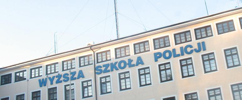 Wystrzał podczas zajęć w szkole policji w Szczytnie. Dwie osoby ranne