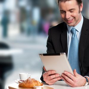 Savoir-vivre: gdy spotkasz szefa w restauracji