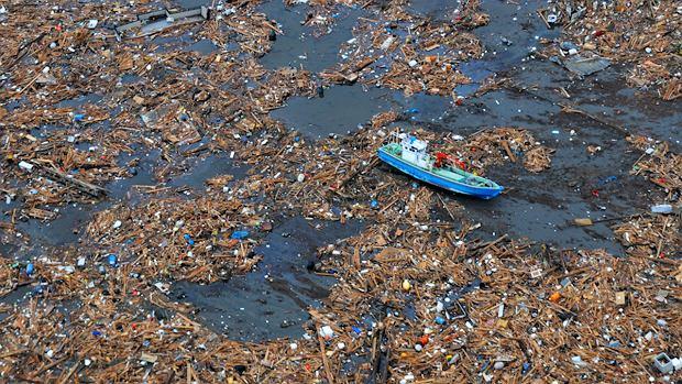 Pacyficzna wyspa śmieci - jak ją uprzątnąć?
