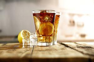 Long Island Iced Tea - przepis na klasyczny drink na każdą imprezę. Czego będziesz potrzebować?
