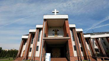 Lublin. Kościół pw. Miłosierdzia Bożego, w którym w ostatnią niedzielę ks. Proboszcz prowadził agitację wyborczą, Namawiał do głosowania na PiS