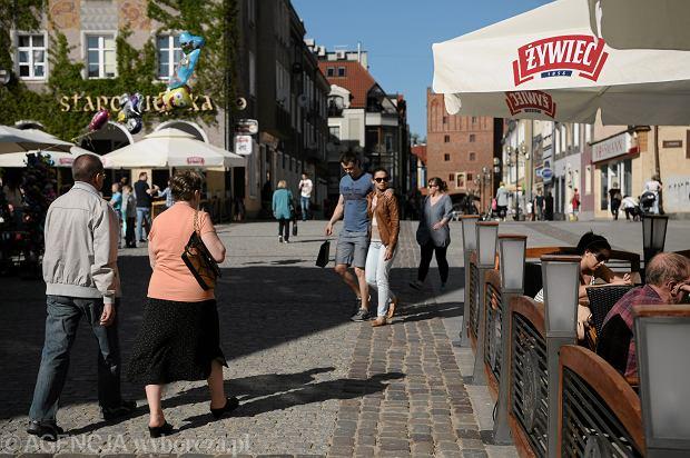 Turyści na Starym Mieście w Olsztynie