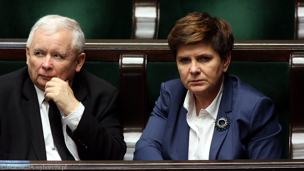 Prezes PiS Jarosław Kaczyński i premier Beata Szydło (fot. Sławomir Kamiński/AG)