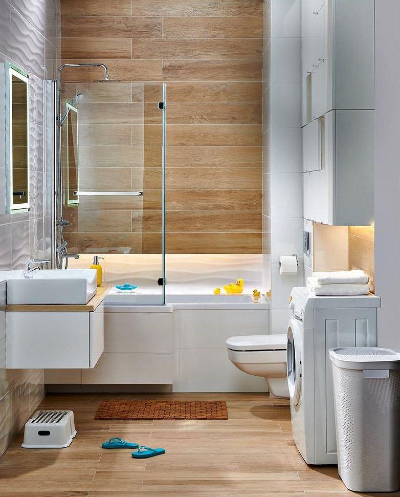Praktyczne szafki łazienkowe w małej łazience