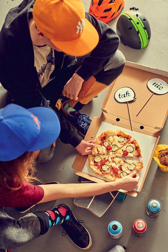 Pizza na cieście filo z trzema serami