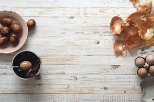 Wielkanoc 2020: Jak przygotować naturalne barwniki do jajek?