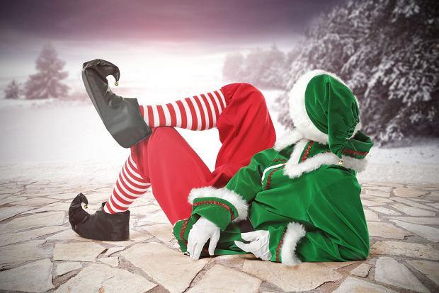 Elfy św. Mikołaja pomagają przygotować prezenty i nie tylko.