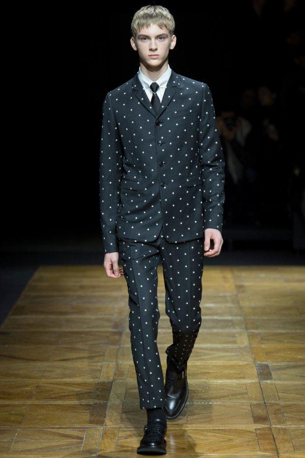 Dominik Sadoch w pokazie Dior Homme Ready to Wear FW 2014-15 Paris Fashion Week