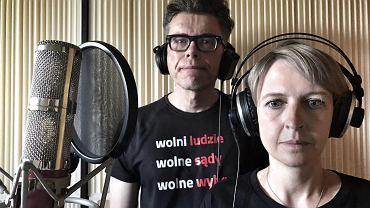 Sędziowie Iustitii Marta Kożuchowska-Warywoda i Igor Tuleya podczas nagrywania Hot16Challenge2