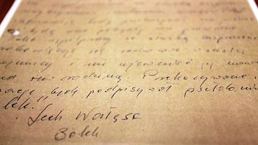 """Podpis """"Lech Wałęsa, Bolek"""" pod zobowiązaniem do współpracy"""