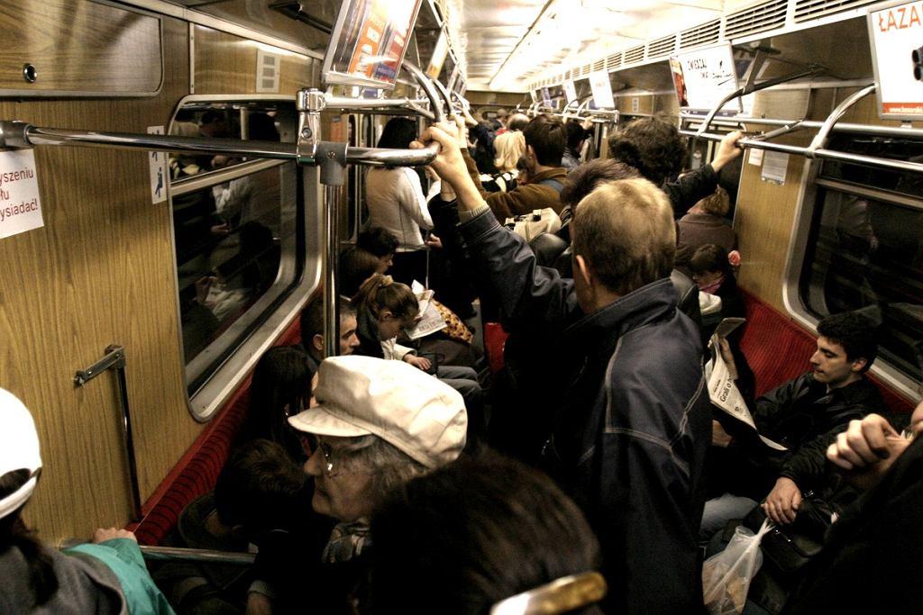 Tłum w metrze