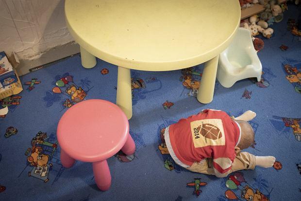 Białystok. Noclegownia Fundacji Dialog. Przebywają tu bezdomni,  w tym bezdomne matki z dziećmi. Na zdjęciu pokój zabaw