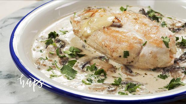 Kurczak faszerowany pieczarkami, czyli szybki i prosty przepis na obiad w tygodniu