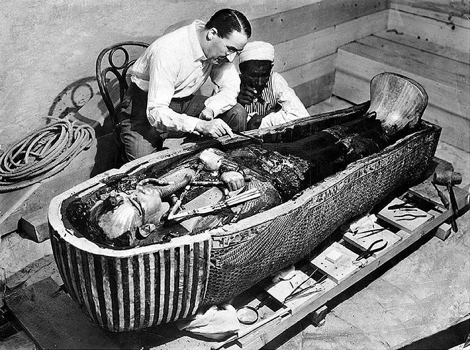 H. Carter bada sarkofag faraona
