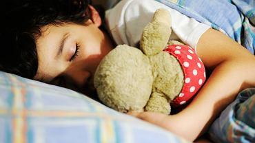 Kołdra obciążeniowa polecana jest m.in. dzieciom z zaburzeniami integracji sensorycznej