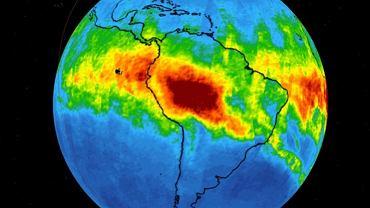 Stężenie tlenku węgla w atmosferze z pożarów lasów tropikalnych na wysokości 5,5 km. Pomiar satelitarny