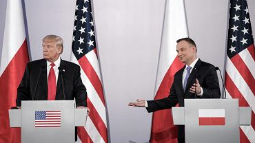 Prezydent USA Donald Trump podczas wspólnej konferencji prasowej z prezydentem RP Andrzejem Dudą, Warszawa, 6 lipca 2017.